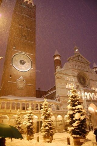 Cremona - nevicata sul Torrazzo